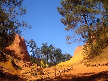 Colorado Provencal Roussillon Vaucluse Provence Routard Com