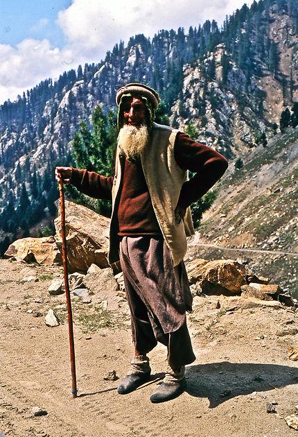 Un paysan sur les hauteurs de Gulmit