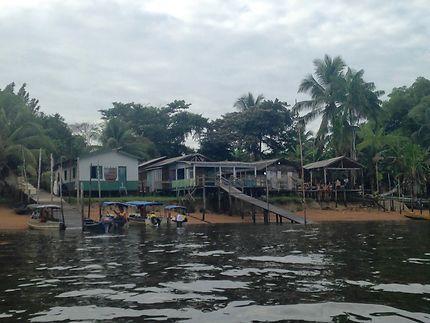Village côté Brésil, Saint-Georges-de-l'Oyapock