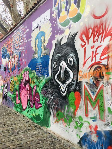 Lenon wall