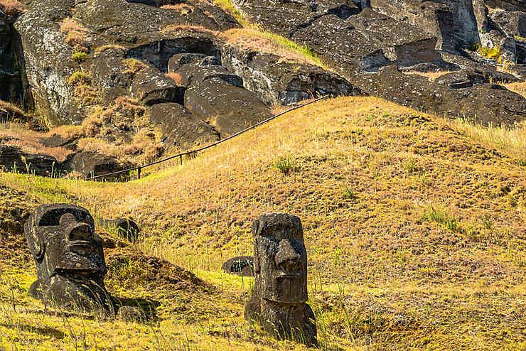 Un moai de 160 tonnes et des brouettes