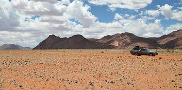 En piste du Namib aux chutes Victoria