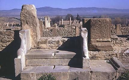 Timgad WC romains