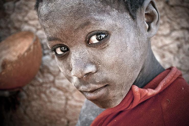 Jeune étudiant d'une école coranique de Djenné, Mali