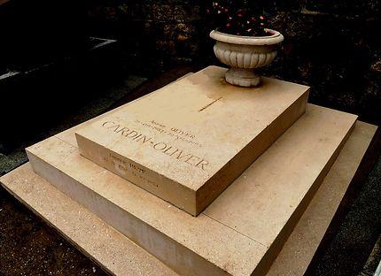Tombe de Pierre Cardin