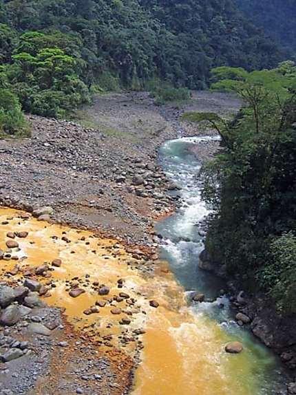 Rencontre du Rio Sucio et du Rio Proprio