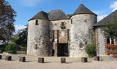 Château de Fresnay-sur-Sarthe