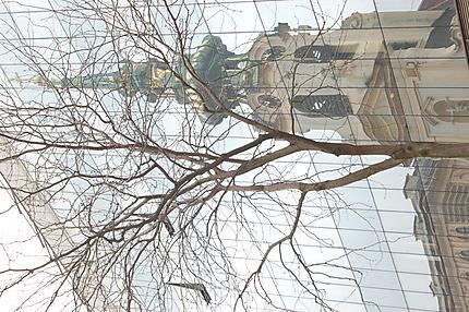 Reflet de l''église Stiftskirche