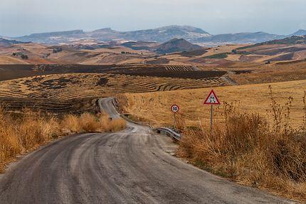 Une route pour nulle part, Caltagirone