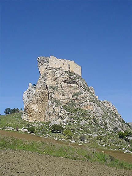 Vue du château de Mussomeli