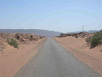 In the road prés de M'Hamid