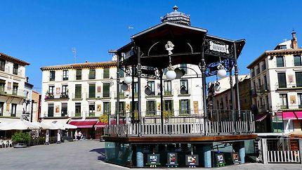 Place de Tudela - Kiosque