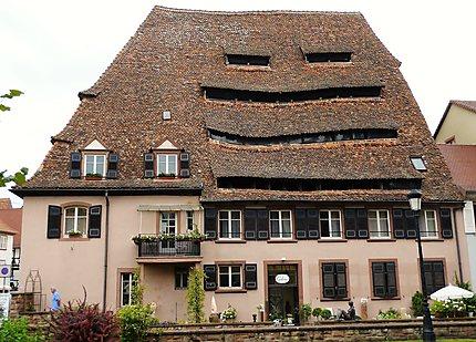 Toiture imposante à Wissembourg, Alsace