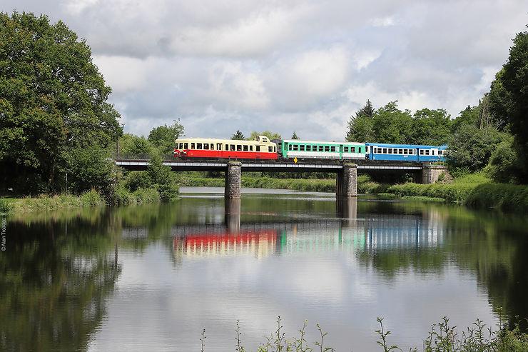 Bretagne - Le Napoléon Express, un nouveau train touristique dans le Morbihan