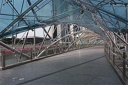 Pont près de Marina Bay