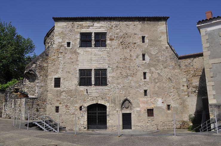 Allier - Découvrir le musée de la Tour prisonnière et les souterrains de Cusset