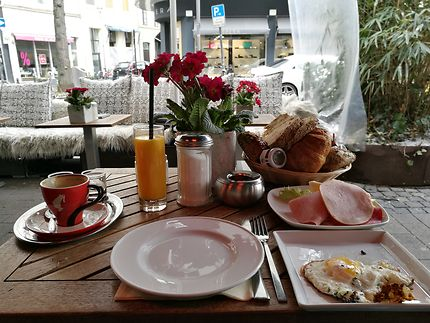 Brunch au Café Rico à Cologne
