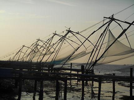 Crépuscule sur carrelets à Cochin