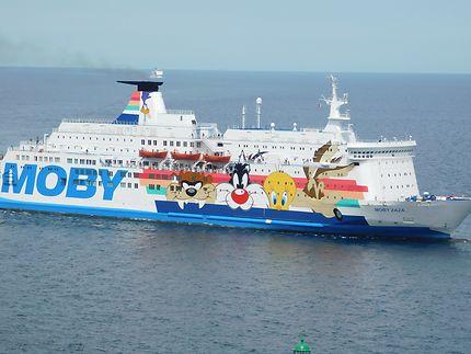 Arrivée du ferry à Bastia