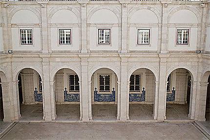 Lisbonne - Cour intérireure du Monastère