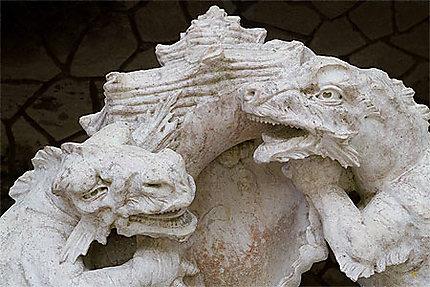 Sintra - Palais de la Regaleira - Fontaine des dragons - Détail