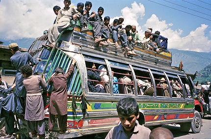 Transport en commun sur la route de Chilas