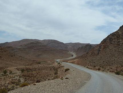 Sur la route au Maroc, route du grand sud