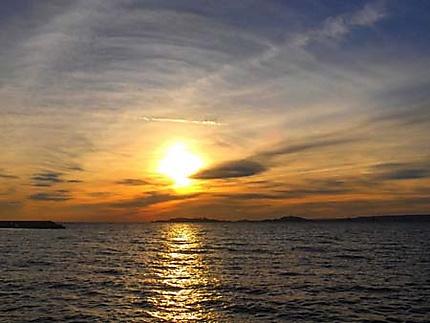 Coucher de soleil la pointe rouge mer coucher de soleil marseille provence - Coucher de soleil marseille ...