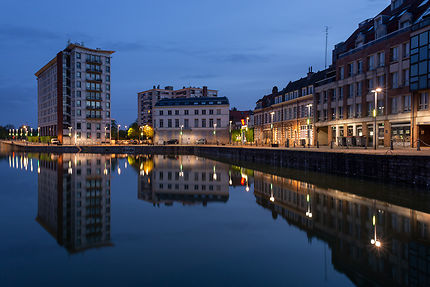 Reflet du quai du Wault, Lille