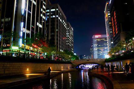 Le Cheonggyecheon