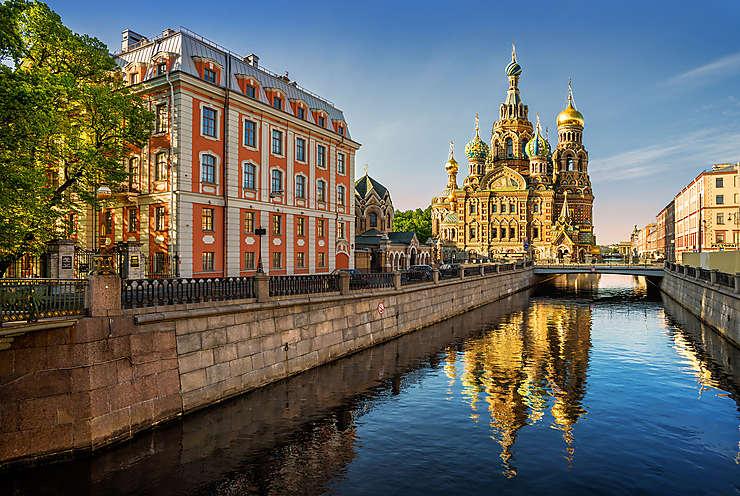 Russie - Un train touristique de l'Arctique, entre Saint-Pétersbourg et la Norvège