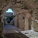 Abbaye troglodythique de Saint-Roman