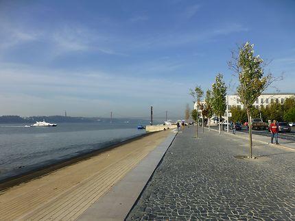 Marche agréable à Rossio, Lisbonne