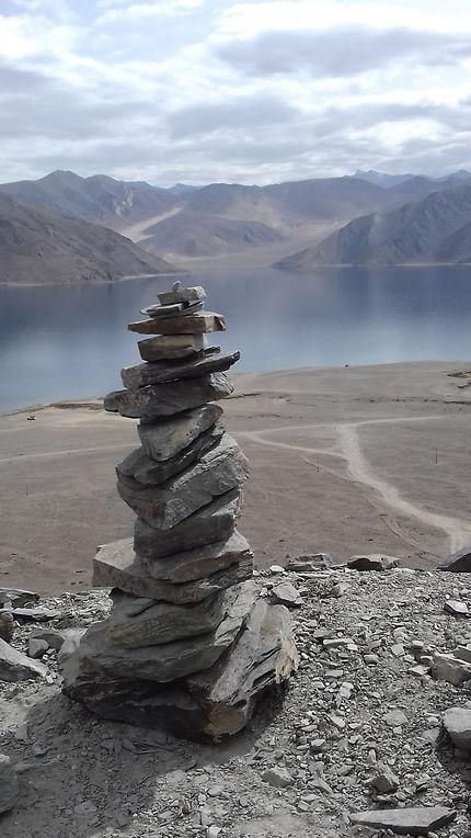Sérénité et éternité du lac Pangong, Inde