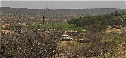 Samburu - village à proximité de Serena lodge