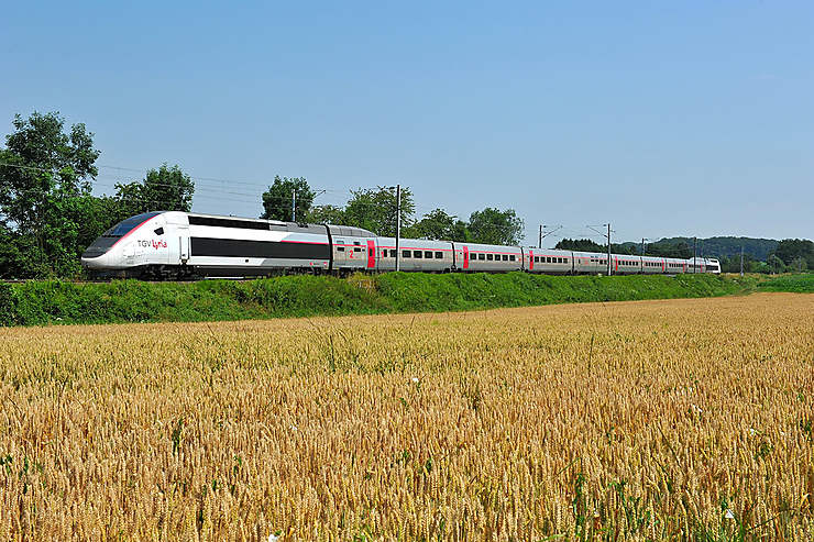 Transports - TGV Lyria : 3 classes de voyage à destination de la Suisse