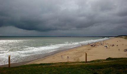 Temps noir plage de la Grande Côte