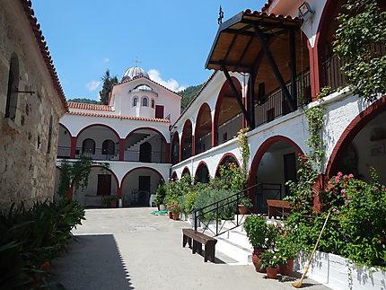 Intérieur du monastère Osios David