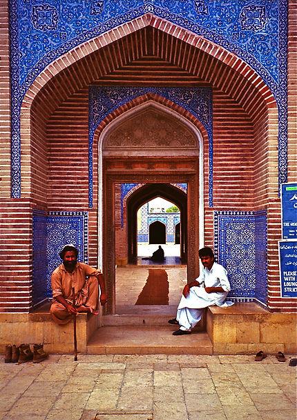 Une entrée de la Mosquée Shah Jahan à Thatta