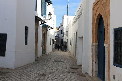 Promenade dans la médina paisible de Tunis