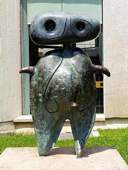 Fondation Joan Miro - Statue