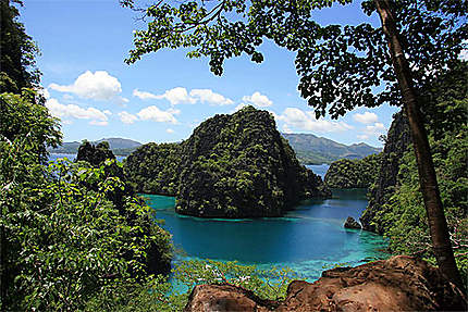 Vue sur le lagon depuis l'Ile de Coron
