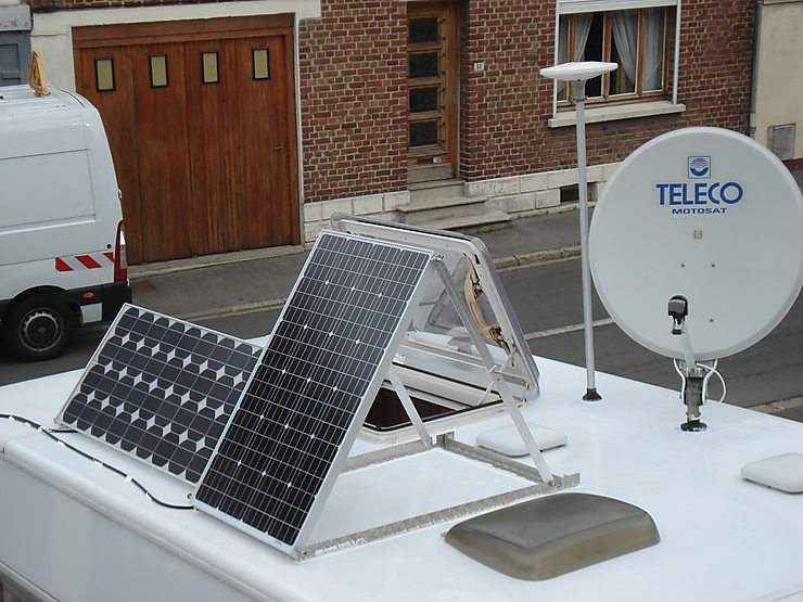 panneaux solaires orientables forum camping car. Black Bedroom Furniture Sets. Home Design Ideas